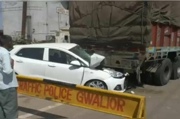 मध्य प्रदेश के ग्वालियर में सड़क दुर्घटना में वायुसेना के पायलट का निधन
