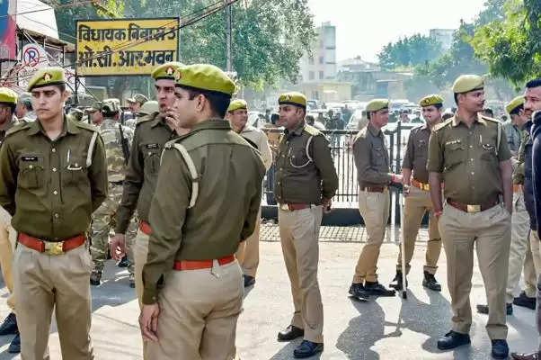 UP पुलिस ने 18 अक्टूबर तक सभी स्टाफ की छुट्टी की रद्द