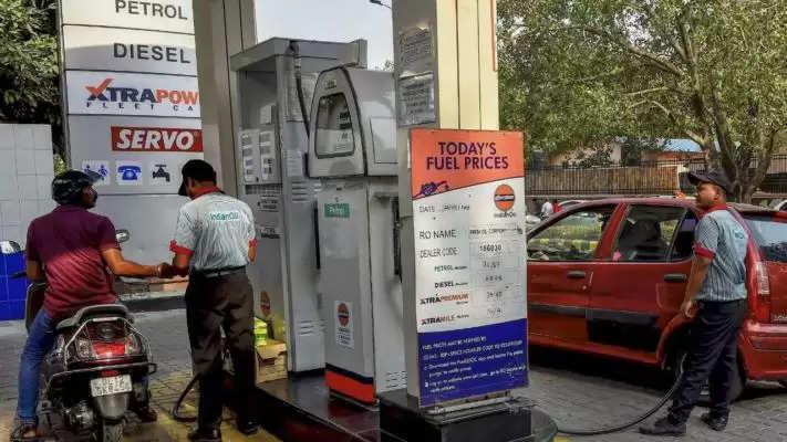 इस माह रविवार को 9वीं बार महंगा हुआ पेट्रोल-डीजल