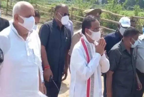 किसान महापंचायत: कृषि मंत्री सूर्य प्रताप शाही और उपमुख्यमंत्री दिनेश शर्मा पहुंचे फिरोजाबाद, किसानों से करेंगे संवाद